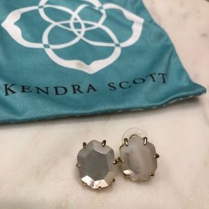 Kendra Scott Morgan Matte Stud Earrings IvoryPearl